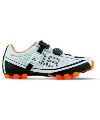 Pack Zapatillas Spiuk 16M Blancas y Naranjas + Calas